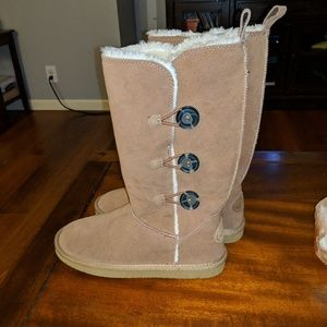 New American eagle cozy boots